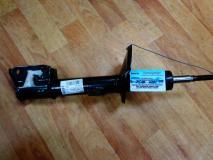 Амортизатор передний Renault Duster 4x2 8200813791