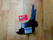 Брызговик передний правый Geely MK CROSS 1018015719