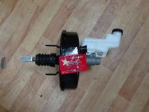 Цилиндр тормозной главный с бачком и вакуумным усилителем Geely Emgrand 1064001073