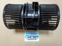 Электродвигатель отопителя салона  Renault Fluence 272104377R