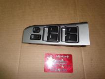 Блок управления стеклоподъемниками водительской двери модель 2008 года Great Wall Sailor 3746100-B22A-1110