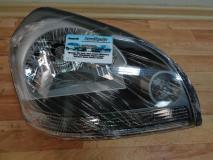 Фара правая черная Hyundai Tucson 921022E010