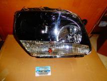 Фара правая черная Renault Duster 260609878R