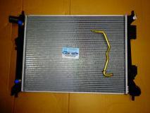 Радиатор охлаждения Hyundai Solaris (автомат) 253104L050