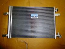 Радиатор кондиционера Chevrolet Cruze 13267648