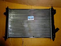 Радиатор охлаждения Chevrolet Aveo 1.4L 16V c 2008 года (F14D4 101л.с) 96992881