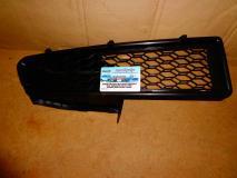 Решетка в бампер правая Renault Logan 6001548686