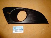 Решетка в бампер правая Renault Logan c 2010- 8200838548