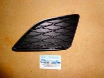 Решетка в бампер левая Toyota Corolla 2007- SDN 8148202080