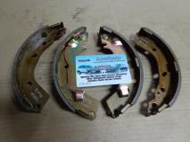 Колодки тормозные барабанные задние Hyundai Getz 583051CA00