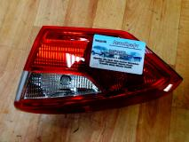 Фонарь задний правый внутренний Ford Focus III SDN 1769301