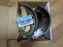 Колодки тормозные задние (барабаный) Fiat Albea  77362452