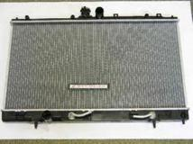 Радиатор охлаждения автомат MITSUBISHI LANCER 2004- MR993259