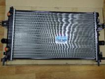 Радиатор охлаждения Opel Zafira Z16XEP, Z18XER c АКПП