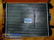 Радиатор охлаждения с кондиционером Renault Sandero до 2008  7700428082