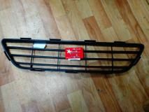 Решетка переднего бампера центральная Geely MK CROSS 1018006115-01
