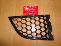 Решетка переднего бампера правая Chery Bonus A13-2803536